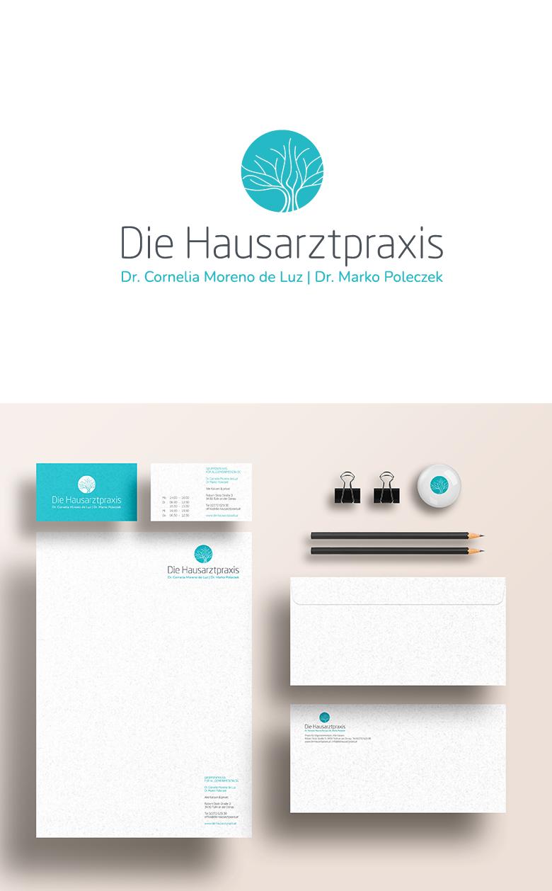 Abbildung des Logos für Die Hausarztpraxis Tulln. Visualisierung der Drucksorten.
